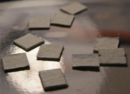 Najčastejšie je pouličné LSD dostupné ako papiere napustené účinnou látkou
